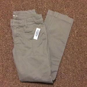 Old Navy Light Gray Chino Pixie Pants